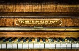 piano-1679847__180.jpg